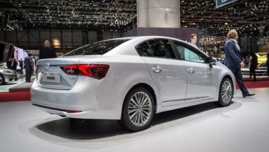 Toyota Avensis Modeli Yerini Yeni Auris Sedan'a Bırakacak