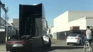 Yeni Tesla Semi Elektrikli Tır Modeli Görüntülendi (Video)