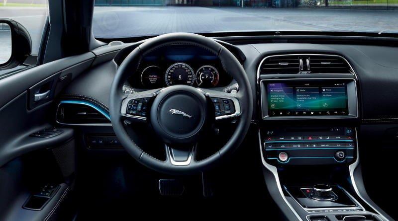 2019 Jaguar XE Landmark Edition Kabin