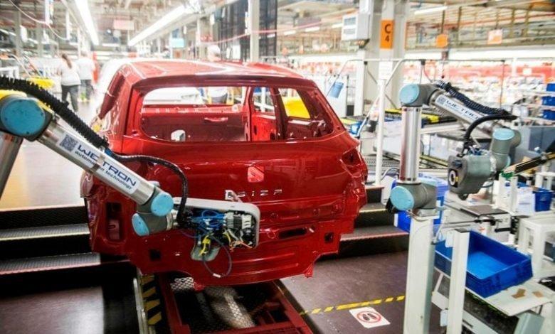 Photo of Seat'ın Mortorell Fabrikasında Robotlar Yardımcı Görev Üstleniyor