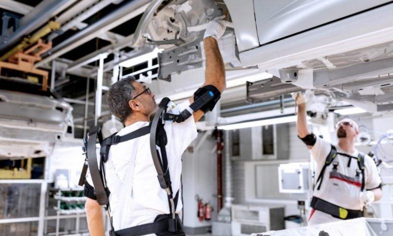 Photo of Audi'nin Çalışanlar için Tasarladığı Yeni Robotik Kıyafeti: Exoskeleton